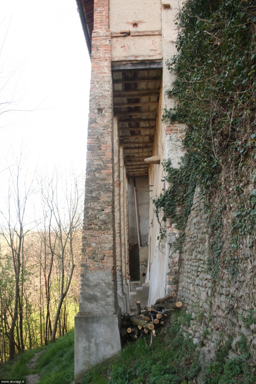 Il sentiero della fontana a Barolo. <span class='photo-by'>Photo: Diego De Finis.</span>