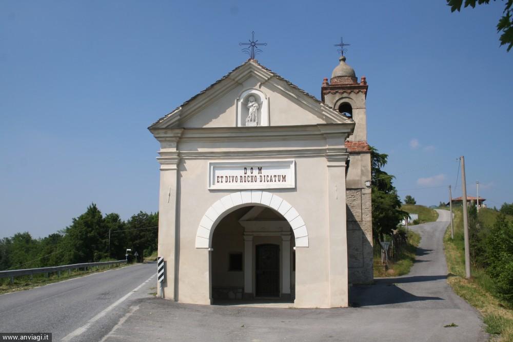 La facciata della chiesetta di San Rocco a Bossolasco. <span class='photo-by'>Photo: Diego De Finis.</span>