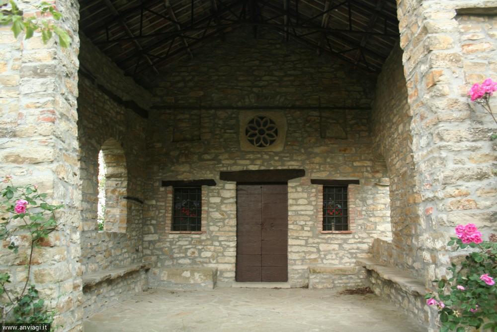 L'ingresso della chiesetta di San Rocco. <span class='photo-by'>Photo: Diego De Finis.</span>
