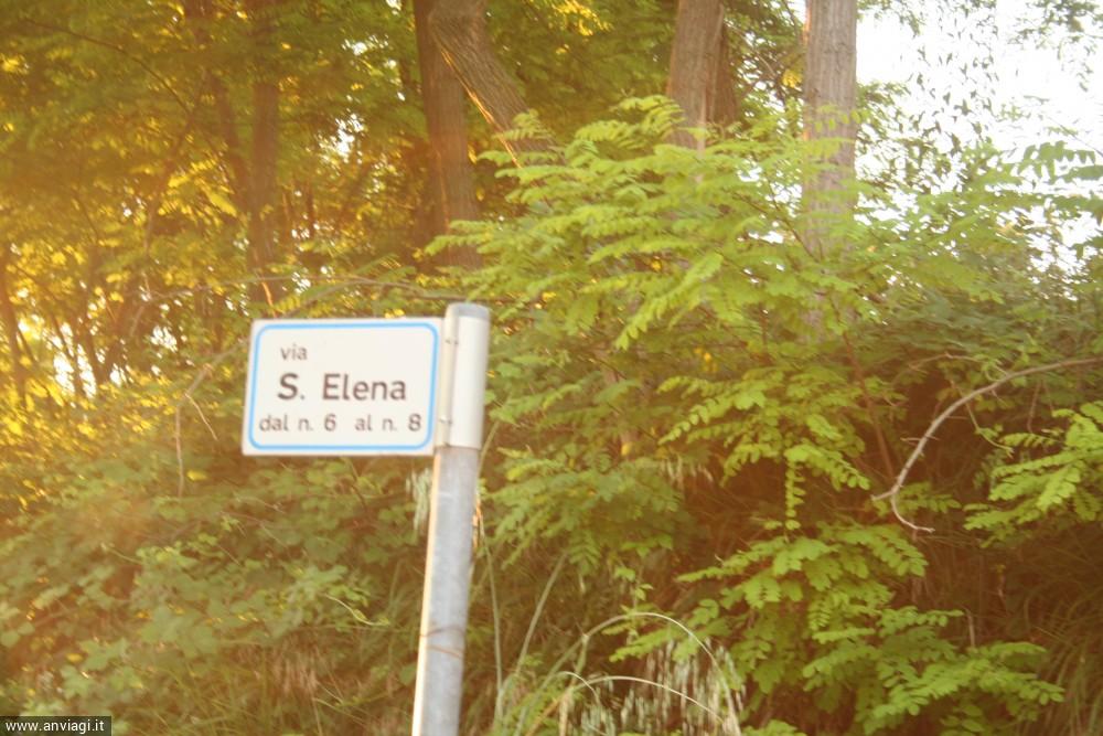 L'indicazione dei numeri civici della zona della chiesa di Sant'Elena. <span class='photo-by'>Photo: Diego De Finis.</span>