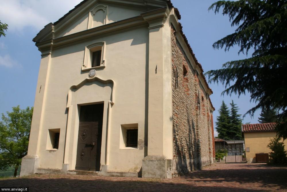 Chiesa della Natività di Maria Vergine di fronte al cimitero a Cissone. <span class='photo-by'>Photo: Diego De Finis.</span>