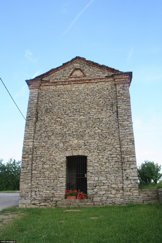 La cappella di San Giovanni a Niella Belbo. <span class='photo-by'>Photo: Diego De Finis.</span>