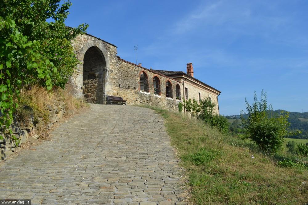 il Monastero benedettino di San Benedetto Belbo . <span class='photo-by'>Photo: Stefano Bevione.</span>