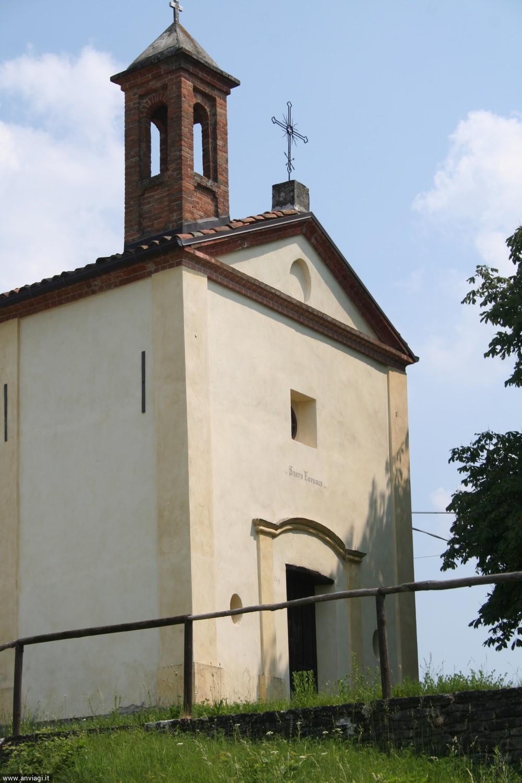 La facciata della chiesa campestre di Sant'Eufemia a Sinio. <span class='photo-by'>Photo: Diego De Finis.</span>